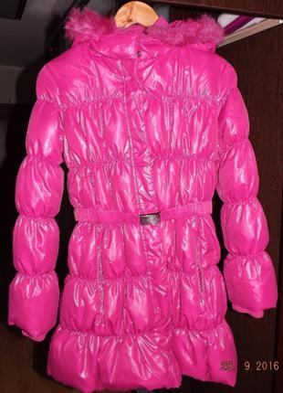Продам куртку-пуховик с капюшоном фирмы BENETTONрост 160 см.