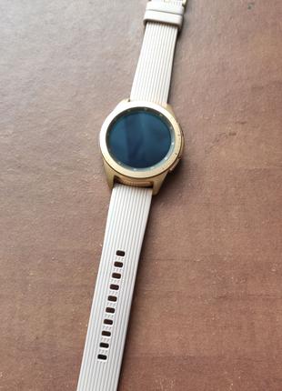 Смарт-часы Samsung Galaxy Watch 42mm Gold
