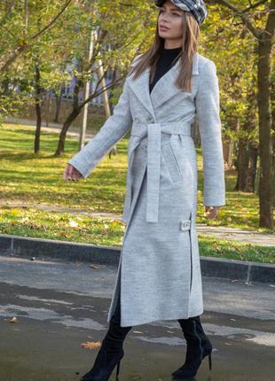 Пальто женское демисезонное светлое