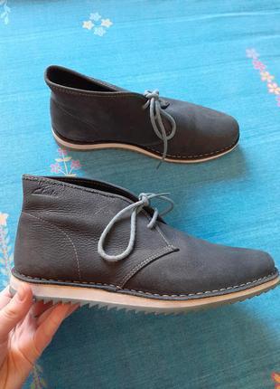 Кожаные фирменные мужские ботинки clarks