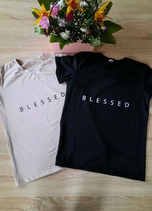 Стильная футболка BLESSED