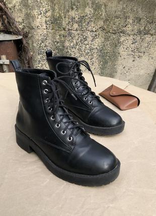 Чёрные ботинки/сапоги/сапожки/берцы в стиле dr.martens от h&m