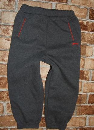 Теплые спортивные штаны 3-4 года