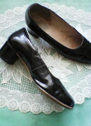 Туфли лаковые ЦЕБО размер 40 черные