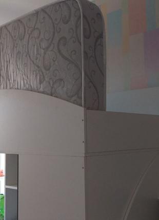 Кровать-чердак +шкаф и письменный стол