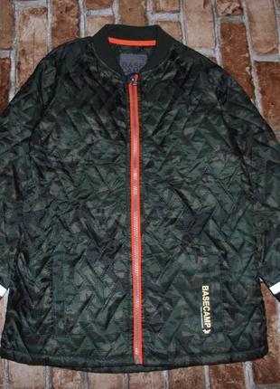 Стеганя куртка мальчику 8-9 лет