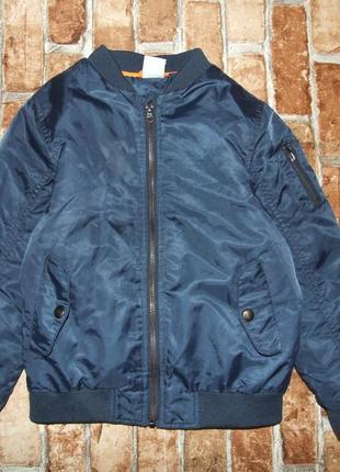 Утепленный бомбер куртка мальчику 7-8 лет