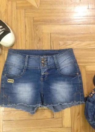 Классные шорты на девочку-подростка