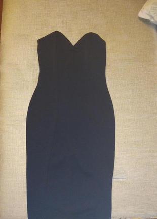 Чёрное вечернее платье без бретелек