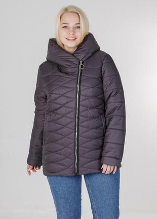 Весенняя женская куртка большого размера