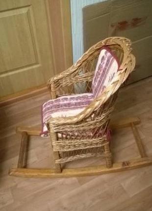 Плетеное кресло для ребенка из лозы