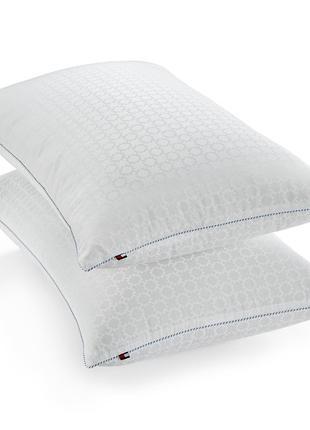 Подушка tommy hilfiger. оригинал. 2 вида плотности