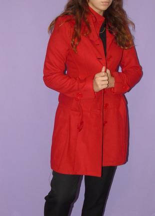 Демисезонное красное пальто boohoo