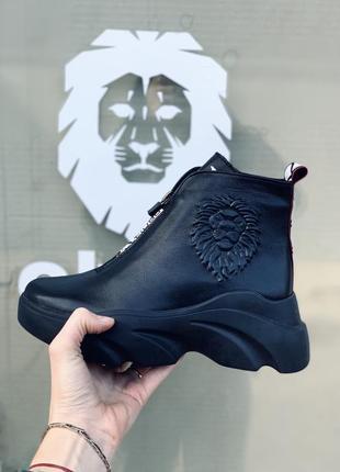 Женские зимние кожаные ботинки