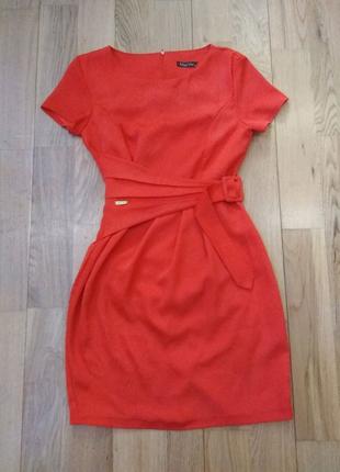 Красное платье женское