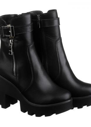 Кожаные черные зимние ботинки на каблуке тракторной платформе ...