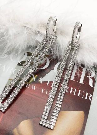 Красивые серьги подвески, кристалы, тренд 2019