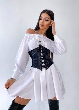 Стильное платье - рубашка с открытыми плечами и кожаным корсет...