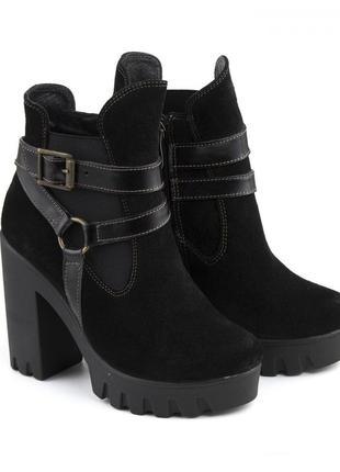 Женские замшевые черные демисезонные ботинки ботильоны на кабл...