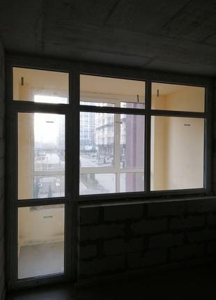 Балконный блок Rehau (двери и окно) с новостройки. Торг