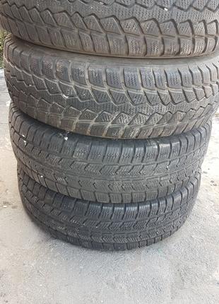 Гума шини покришки колеса