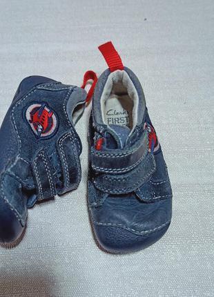 Первые детские туфли, кеды, мокасины обувь clarks first shoes ...