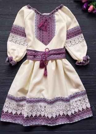Детское платье вышиванка из габардина с кружевом