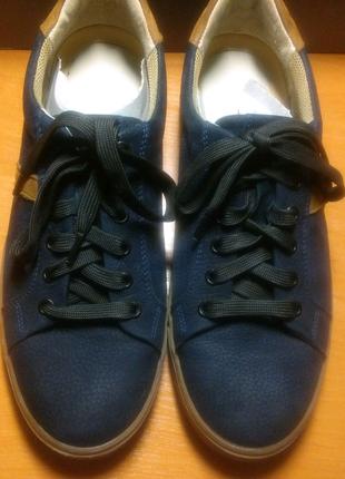 Продам кросовки !!!