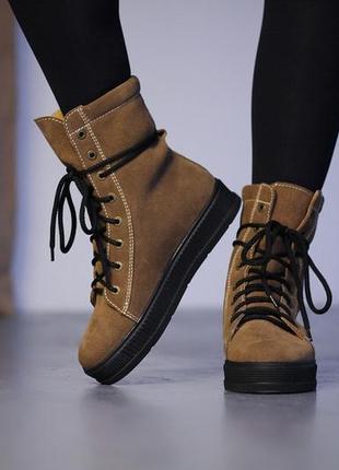 Замшевые женские зимние рыжие ботинки на платформе на шнурках ...