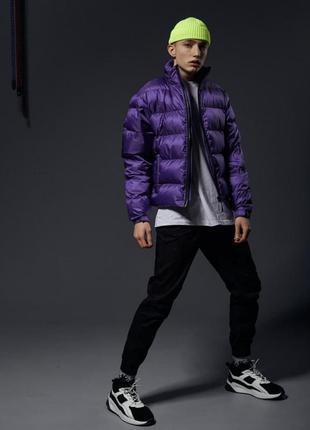 Короткая весенняя куртка-пуховик holla фиолетовая