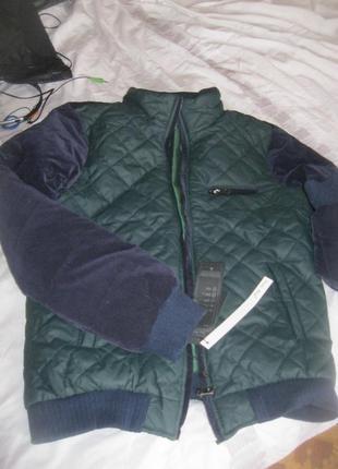 Новая красивая мужская куртка