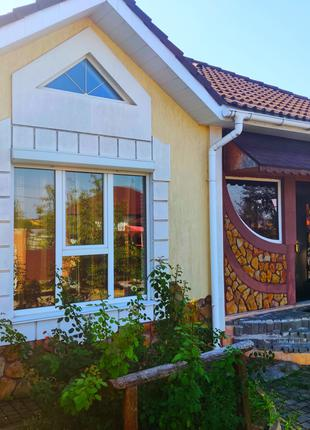 Продам будинок на Озерній, масив Обрій