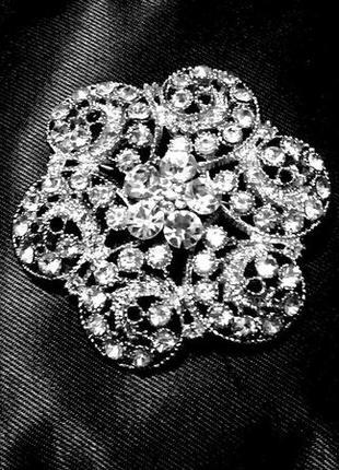 Ажурная брошь подвеска 2-в1 с кристаллами сияющие как бриллиан...