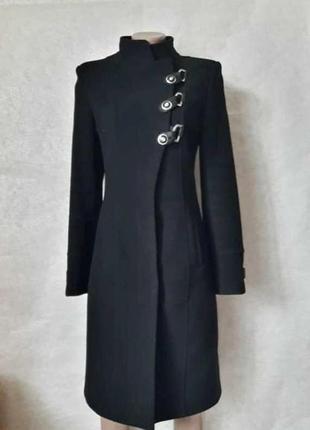 Базовое строгое чёрное пальто деми с кожаными вставками на 70 ...
