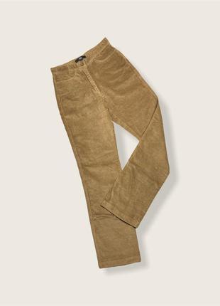 Велюровые джинсы бежевые завышенная посадка .