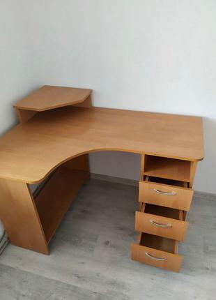 Компьютерный/письменный стол