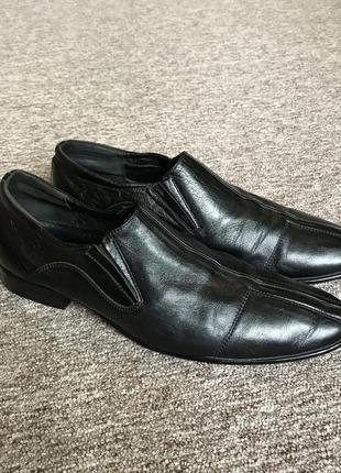 Мужские черные классические кожаные туфли strado.
