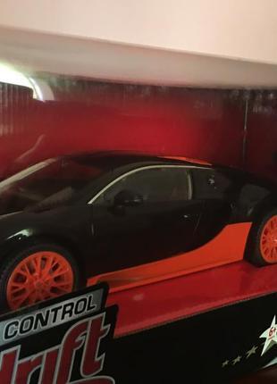 Hamleys машинка на радіоуправлінні bugatti veyron