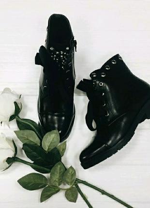 Женская зимняя обувь ботинки. Удобная колодка и каблук Внутри мех