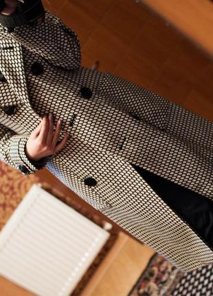 Пальто классическое очень красивое