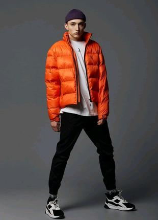 Короткая весенняя куртка-пуховик Holla оранжевая