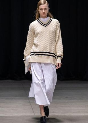 Белый котоновый свитер