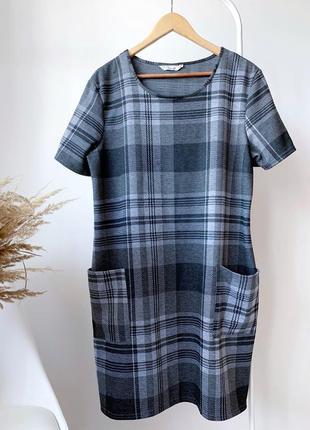 Теплое платье в клеточку большого размера