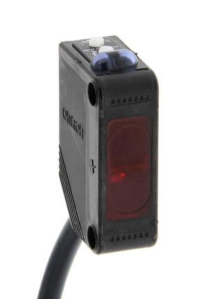 Фотоэлектрический датчик Omron E3Z-D81