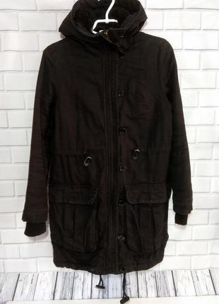 Теплая, черная парка на меху с накладными карманами  h&m /арт.01