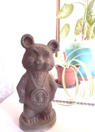 Продам олимпийского бронзового мишку