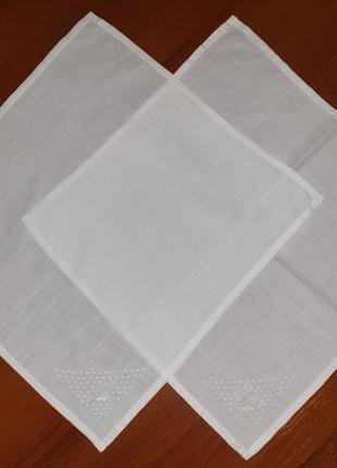 Набор винтажных французких платков с вышивкой бабочки