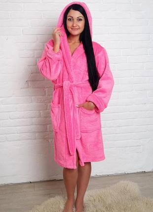 Розовый женский махровый халат