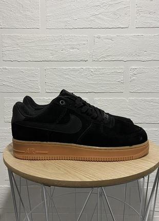 Кроссовки nike air force 1 low suede black gum