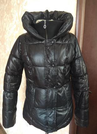 Куртка теплая на синтепоне.